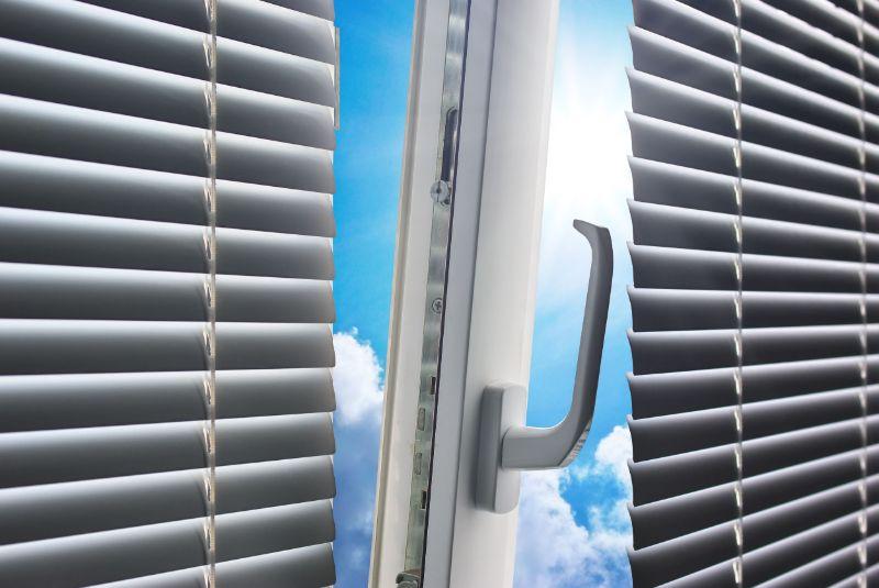 Zunanje žaluzije za okna in vrata